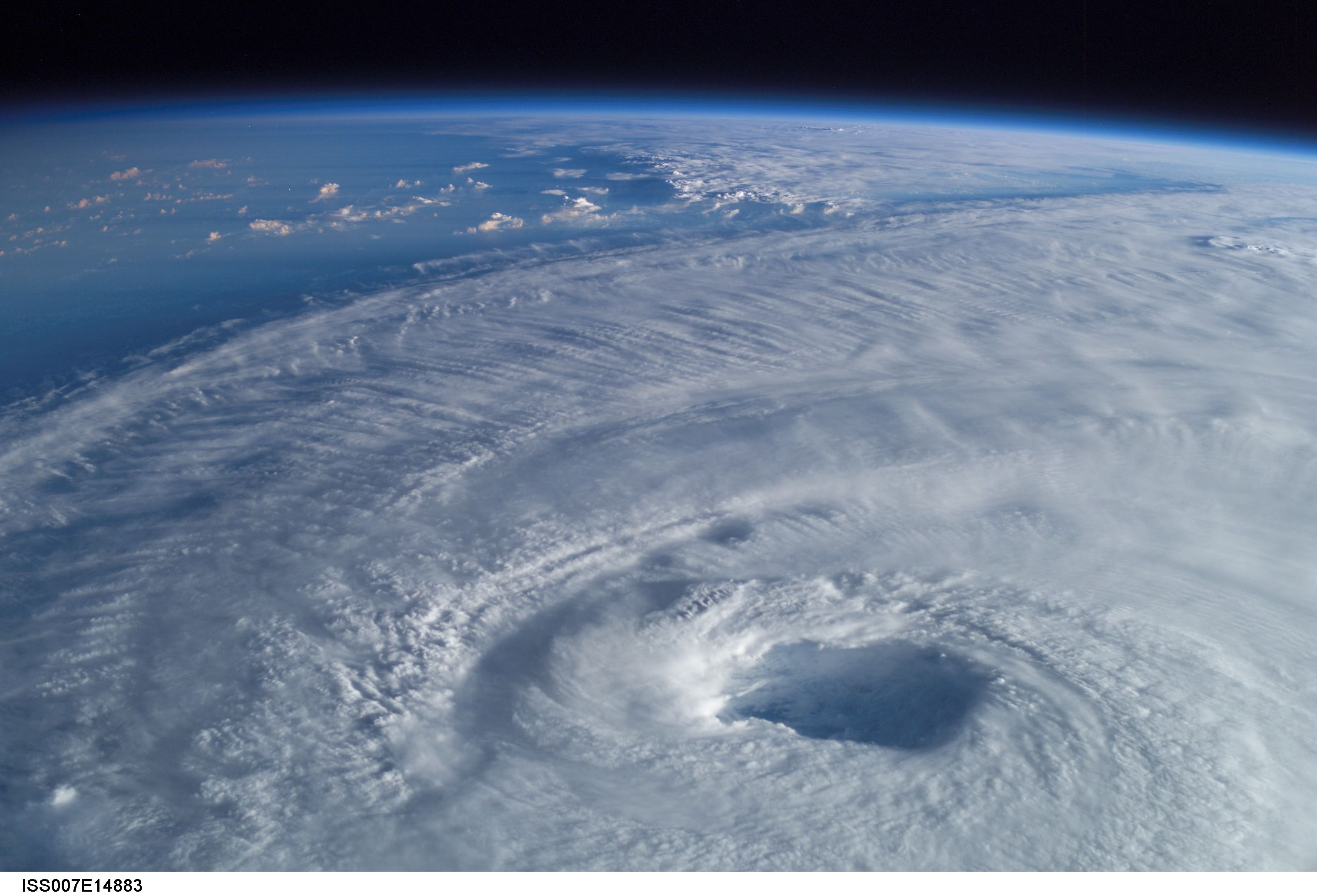 The Eye Of The Hurricane Isabel Nature Images Nature Space Tourism