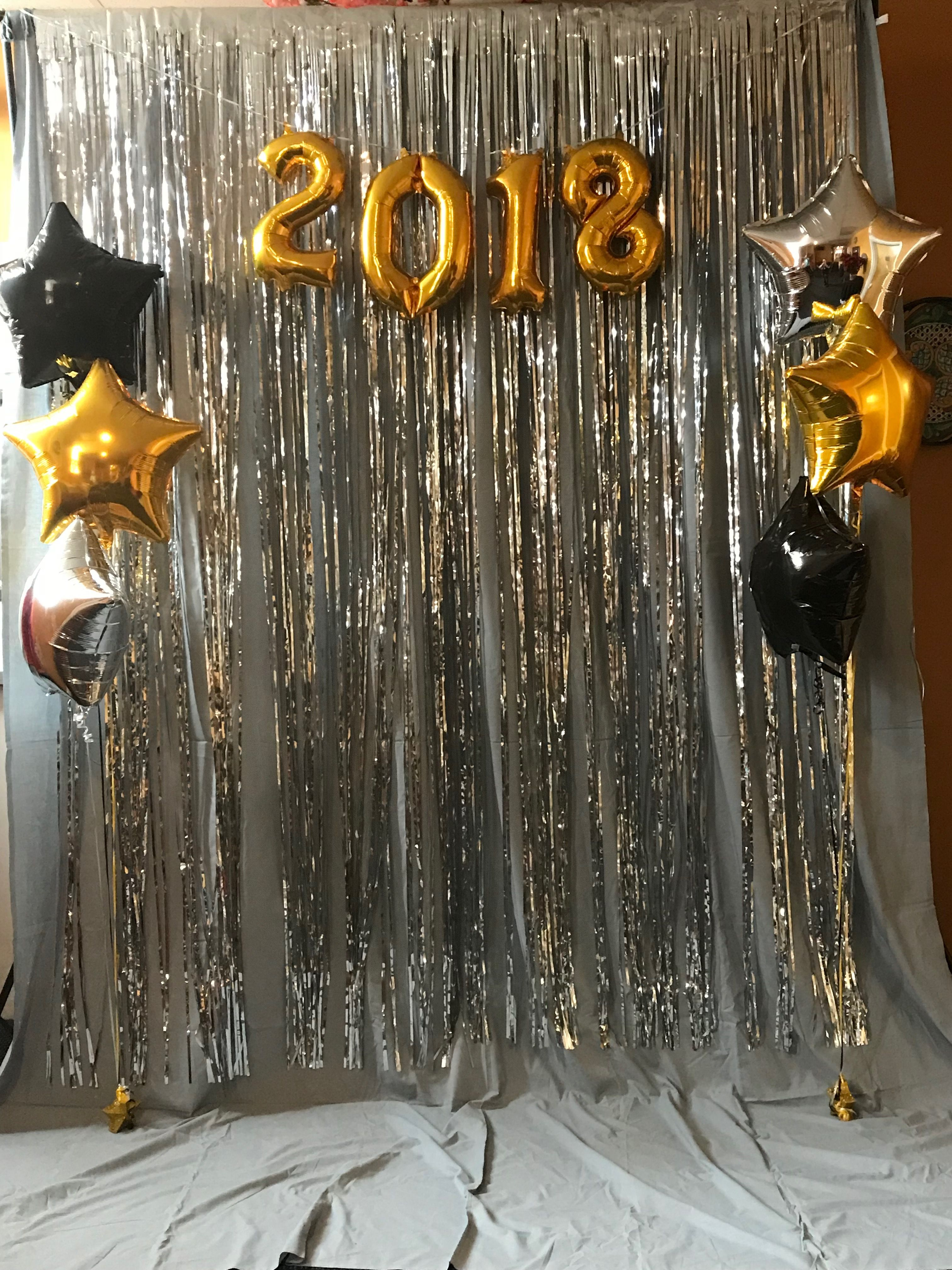 New Year S Eve Photo Booth This Photobooth By Jenn S Kraft Room W New Years Eve Decorations New Years Eve Party Ideas Decorations New Year S Party Decorations