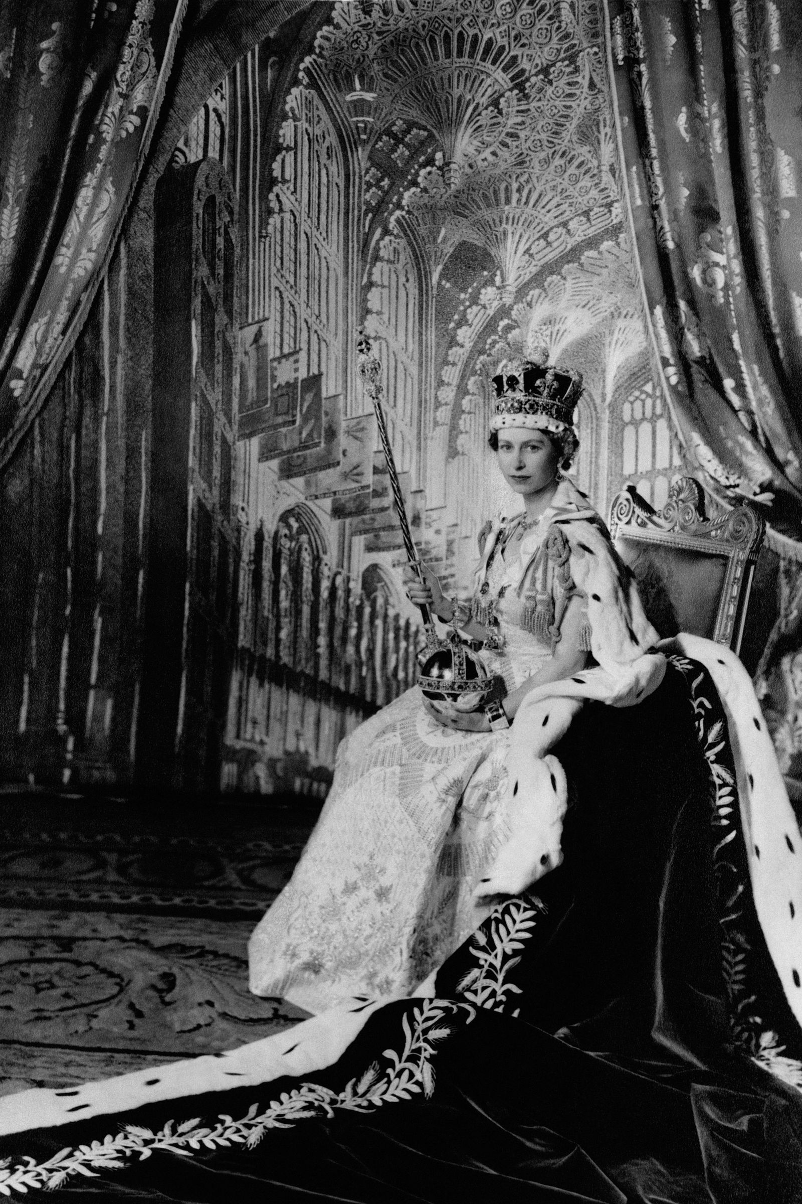 What year was Queen Elizabeth II crowned, when did her