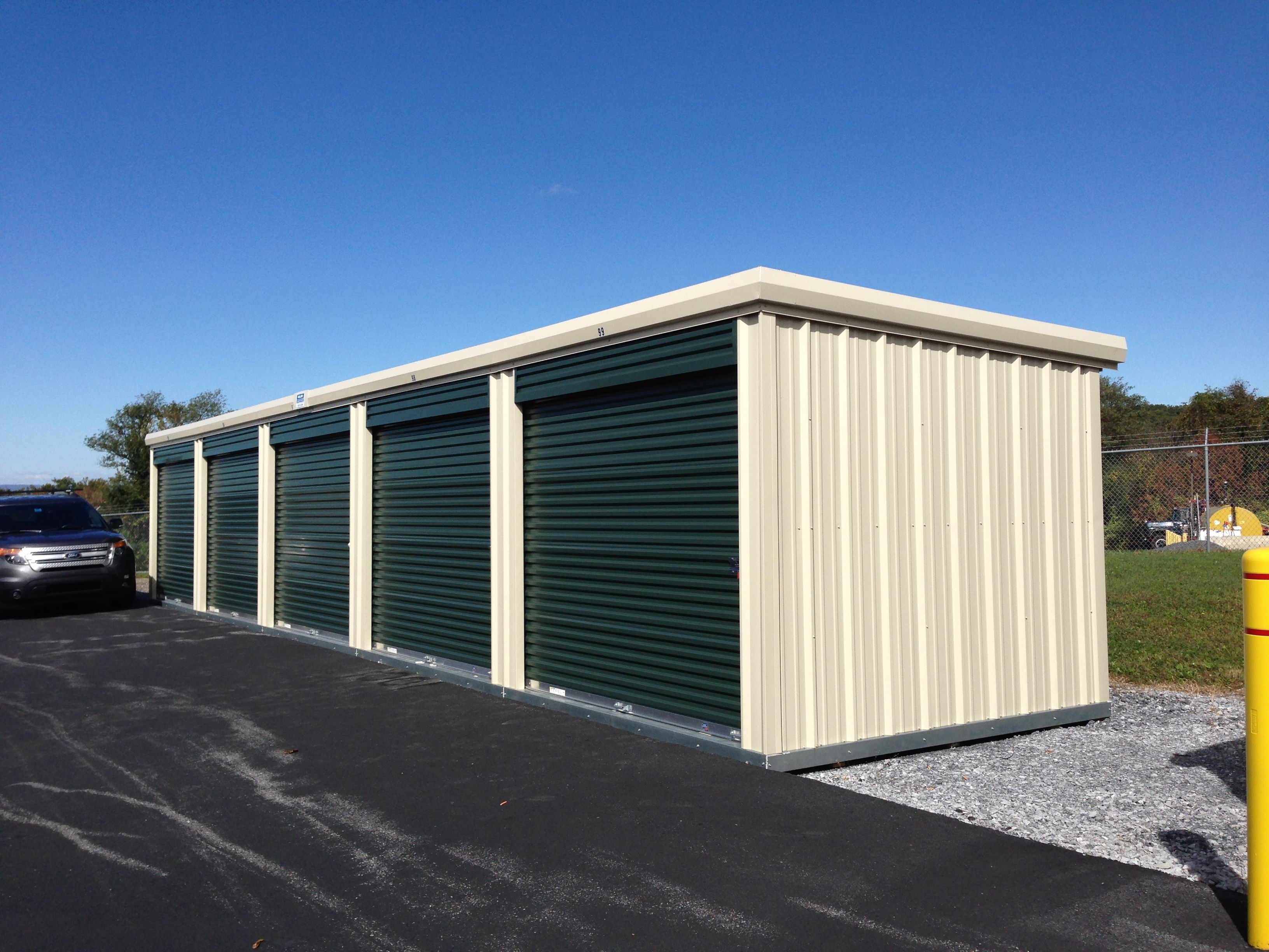 This Prefabricated Storage Unit Comes Ready To Rent This Model Includes 5 Individual 10 X10 Rental Units Storage Units For Sale Self Storage Storage Unit