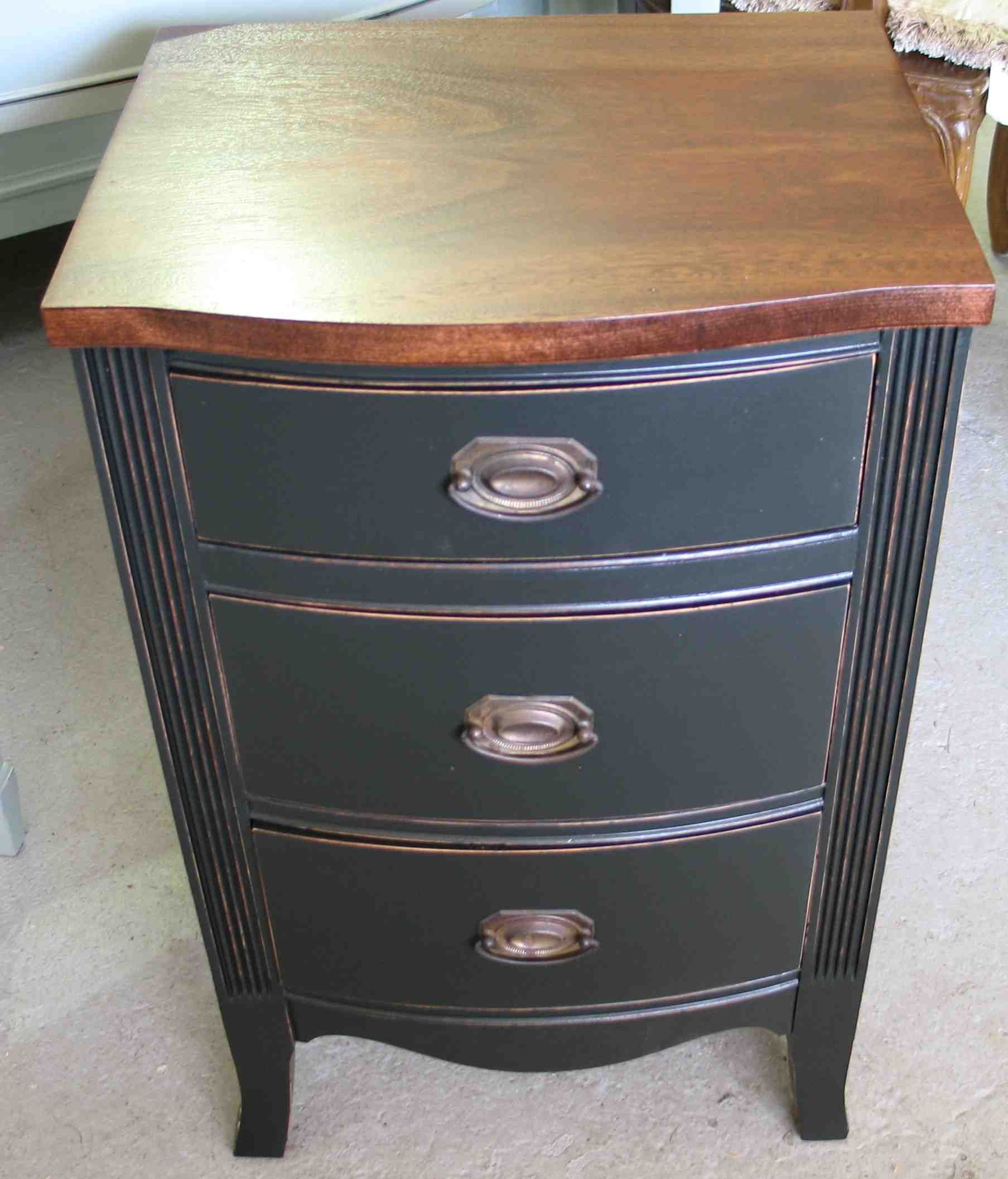 Tips for Selecting Small Tables - Coffee Tables Furniture ...