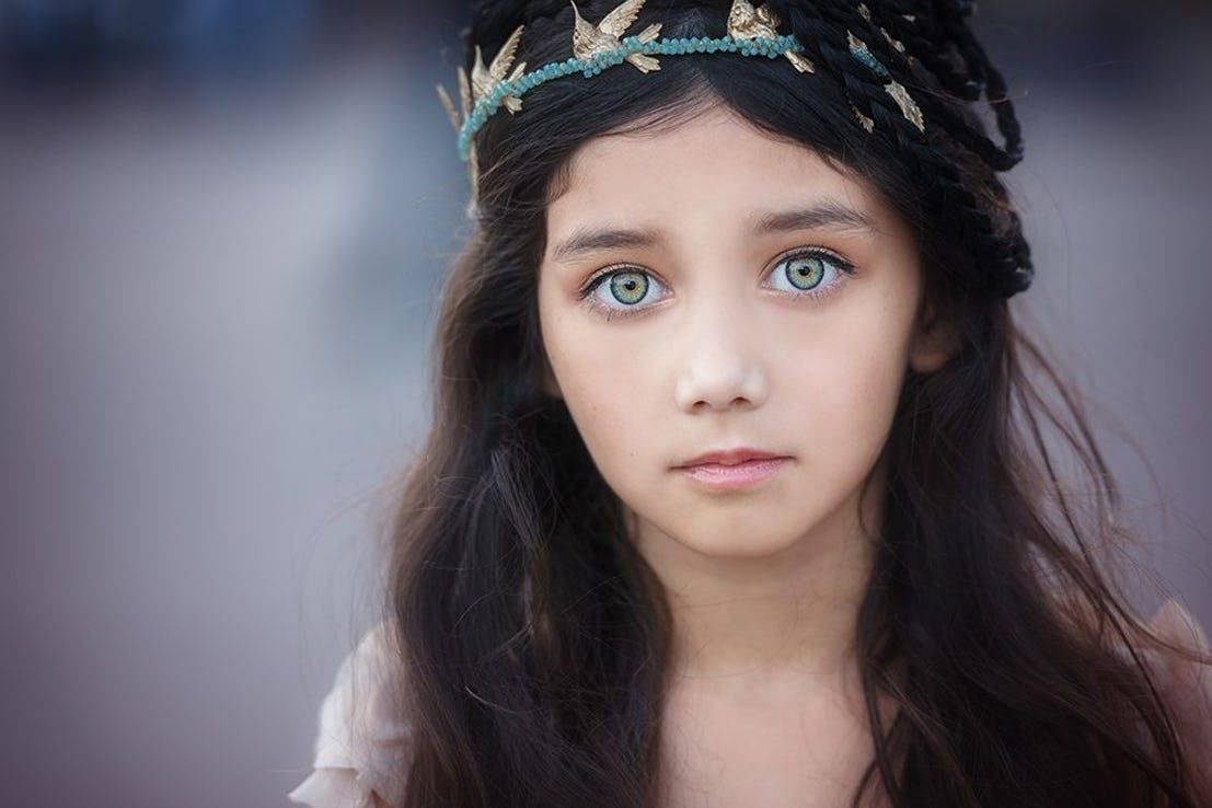 20 Enchanting Names That Would Suit A Beautiful Baby With Green Eyes Black Hair Green Eyes Black Hair Green Eyes Girl Girl With Green Eyes