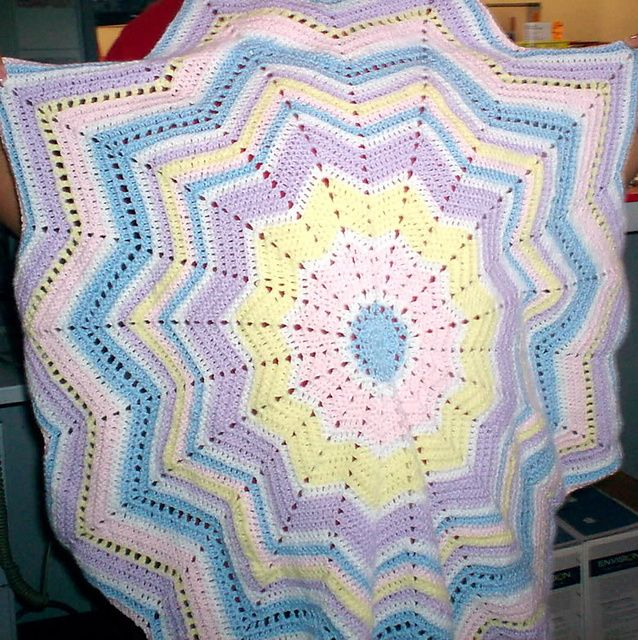 Ravelry: Project Gallery for Round Ripple Afghan pattern by Sew On ...
