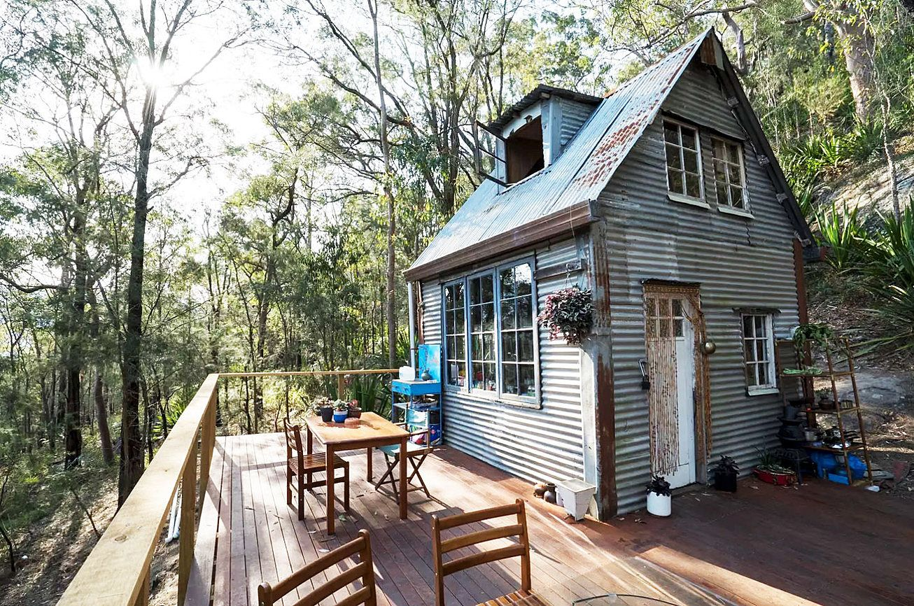 This off grid fairy tale cabin is located in Spencer, NSW