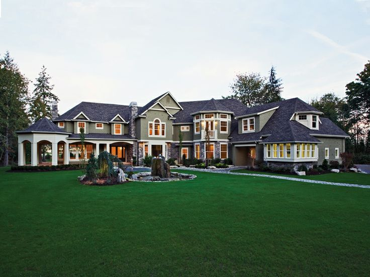 The 25 Most Epic Houses You Ll See This Year Luxury House Plans Southern House Plan Craftsman House