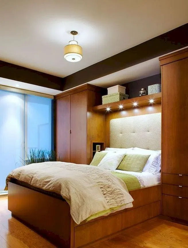15 Entzuckende Kleine Hauptschlafzimmer Dekorationsideen Lmolnar In 2020 With Images Small Master Bedroom Small Bedroom Interior Remodel Bedroom