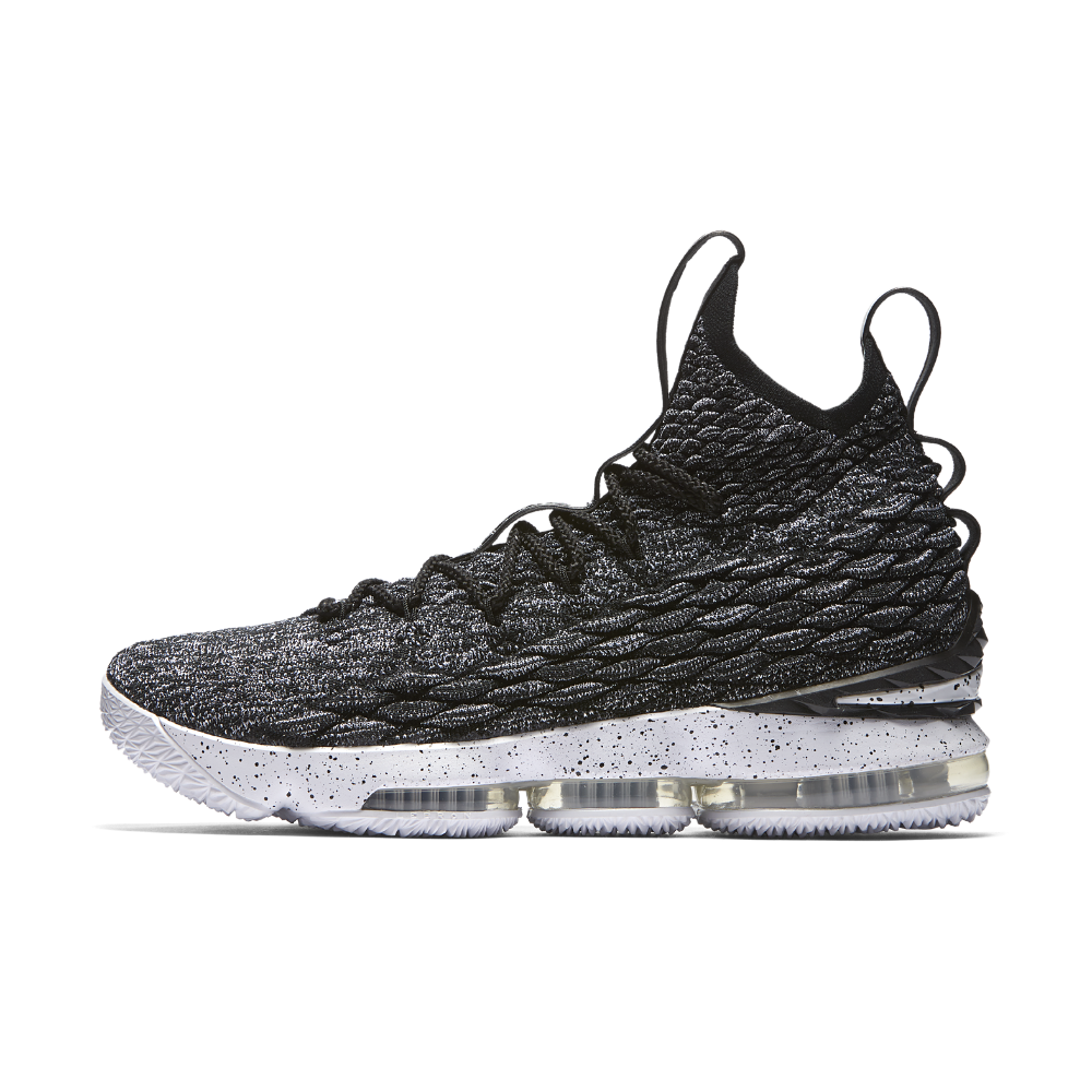 the latest 64215 0d054 Nike LeBron 15 Basketball Shoe Size 7.5 (Black) | Products ...