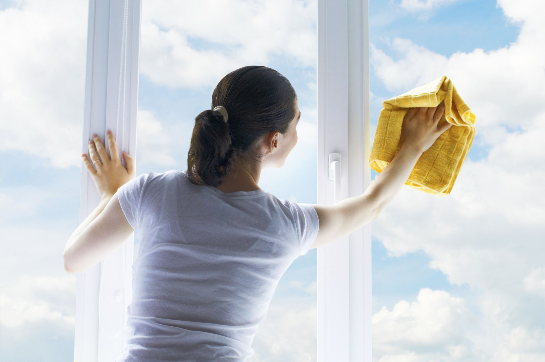 How To Clean Glass With Rubbing Alcohol Home Upgrades Washing Windows Clean House