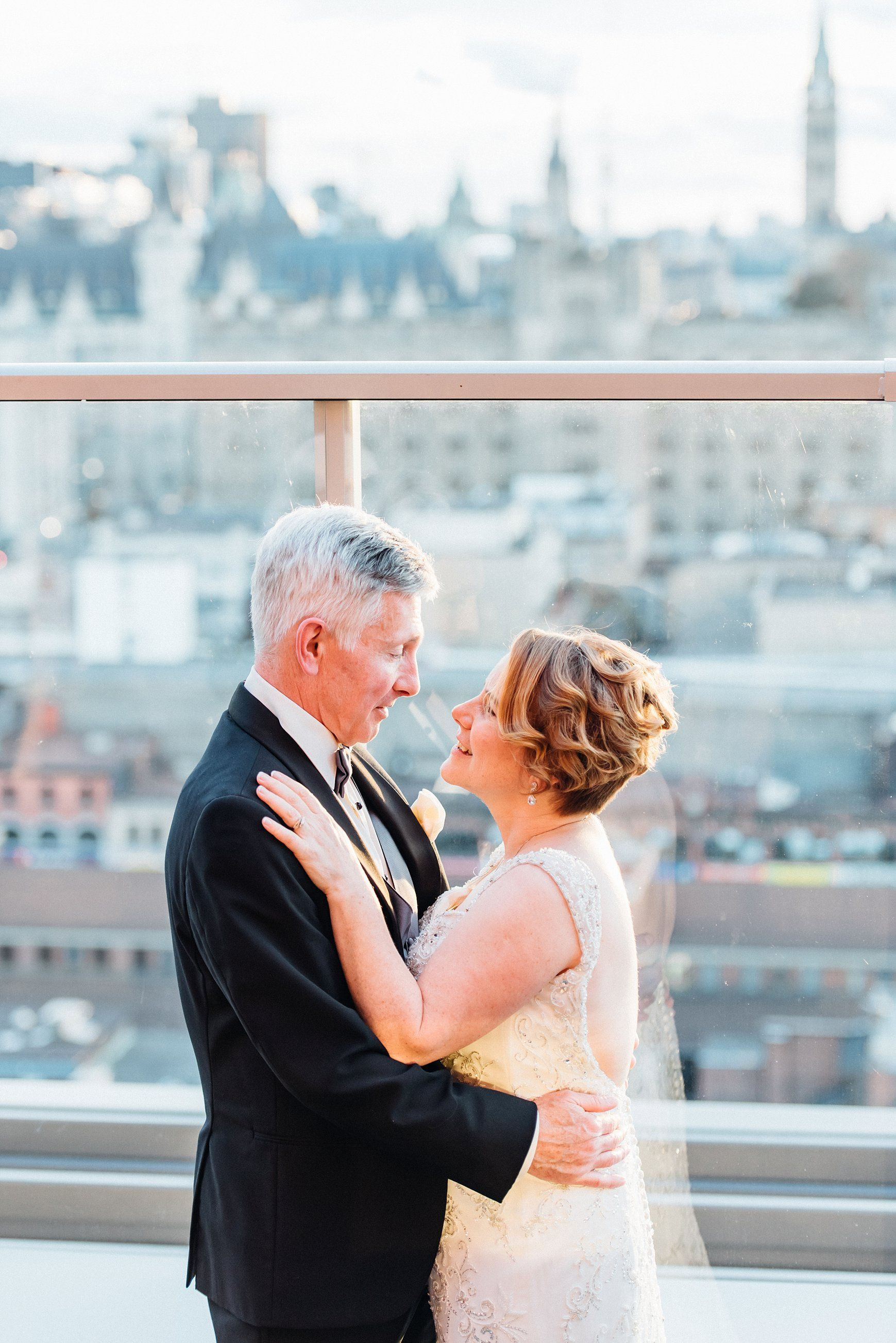 Urban chic Andaz Ottawa wedding shot by Ali and Batoul Photography ...