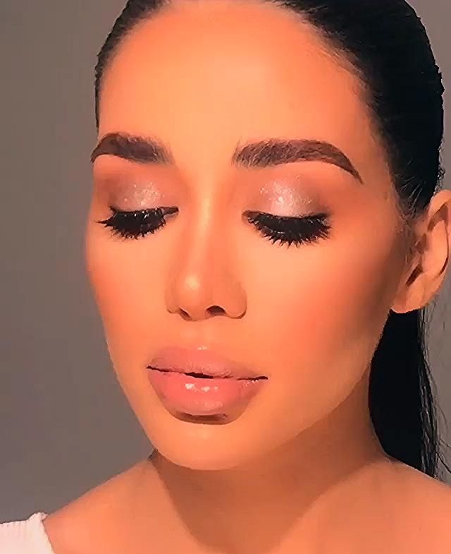 Photo of Glittery Glam Makeup Tutorial