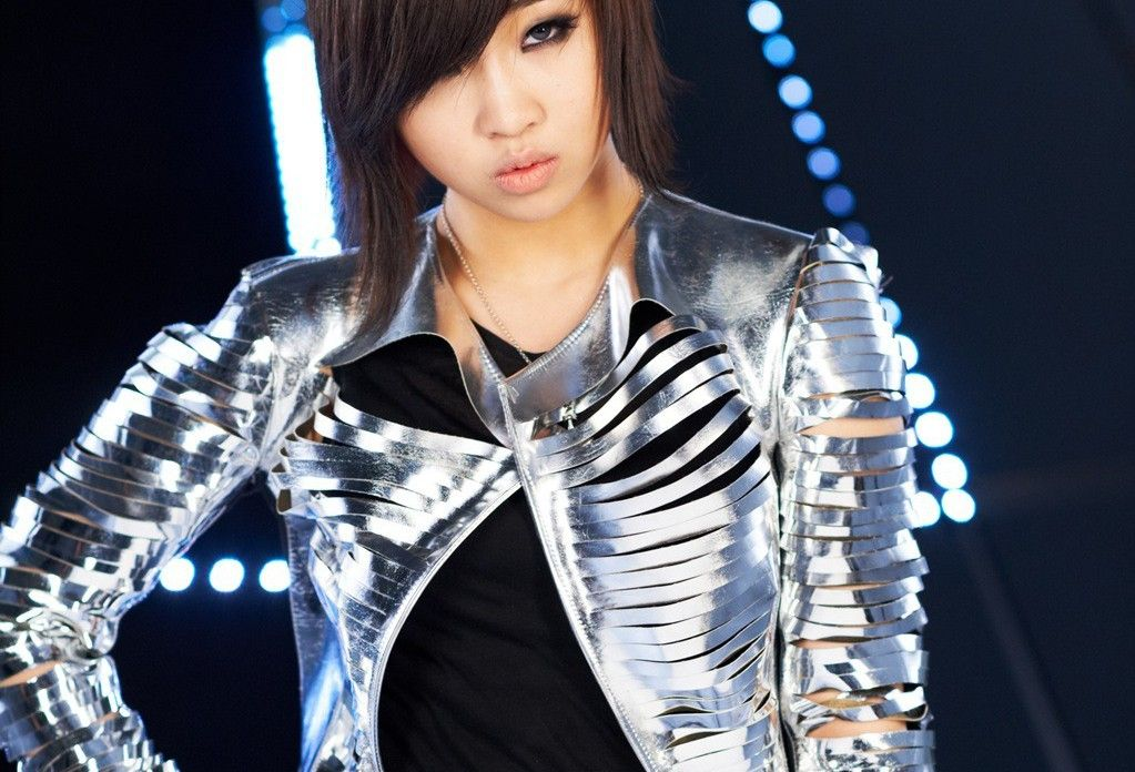 7 Superhuman Female Dancers Of K Pop That Ll Blow Your Mind In 2020 2ne1 Minzy 2ne1 Female Dancers