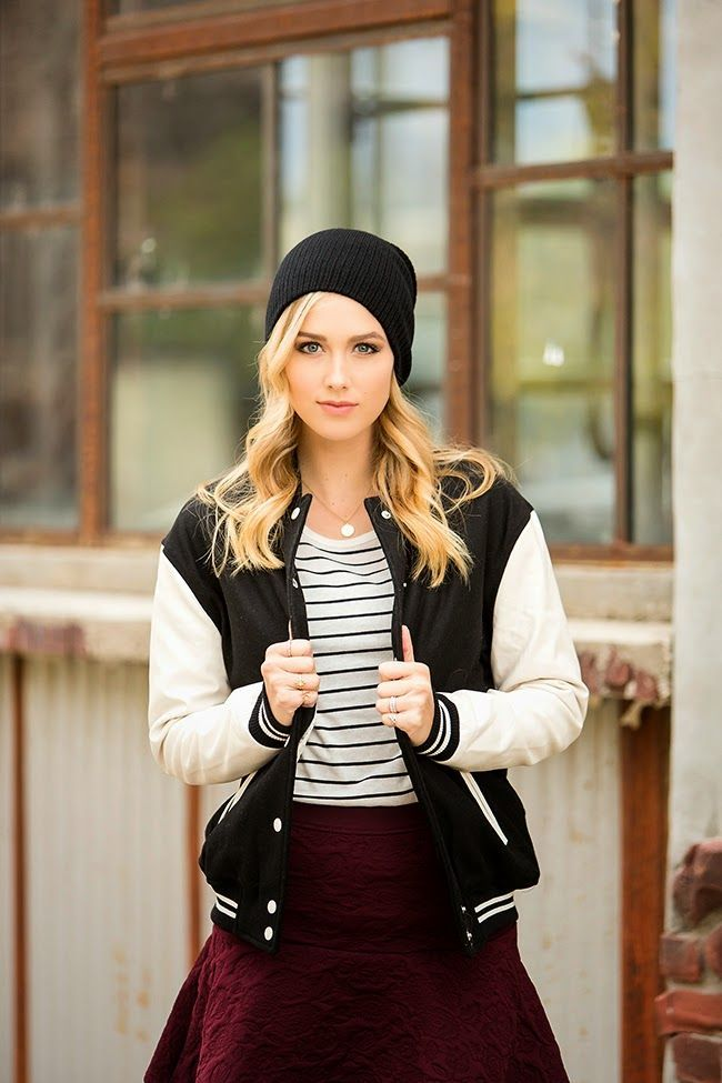 Sporty Chic - Dressing up a varsity jacket #varsityjacketoutfit