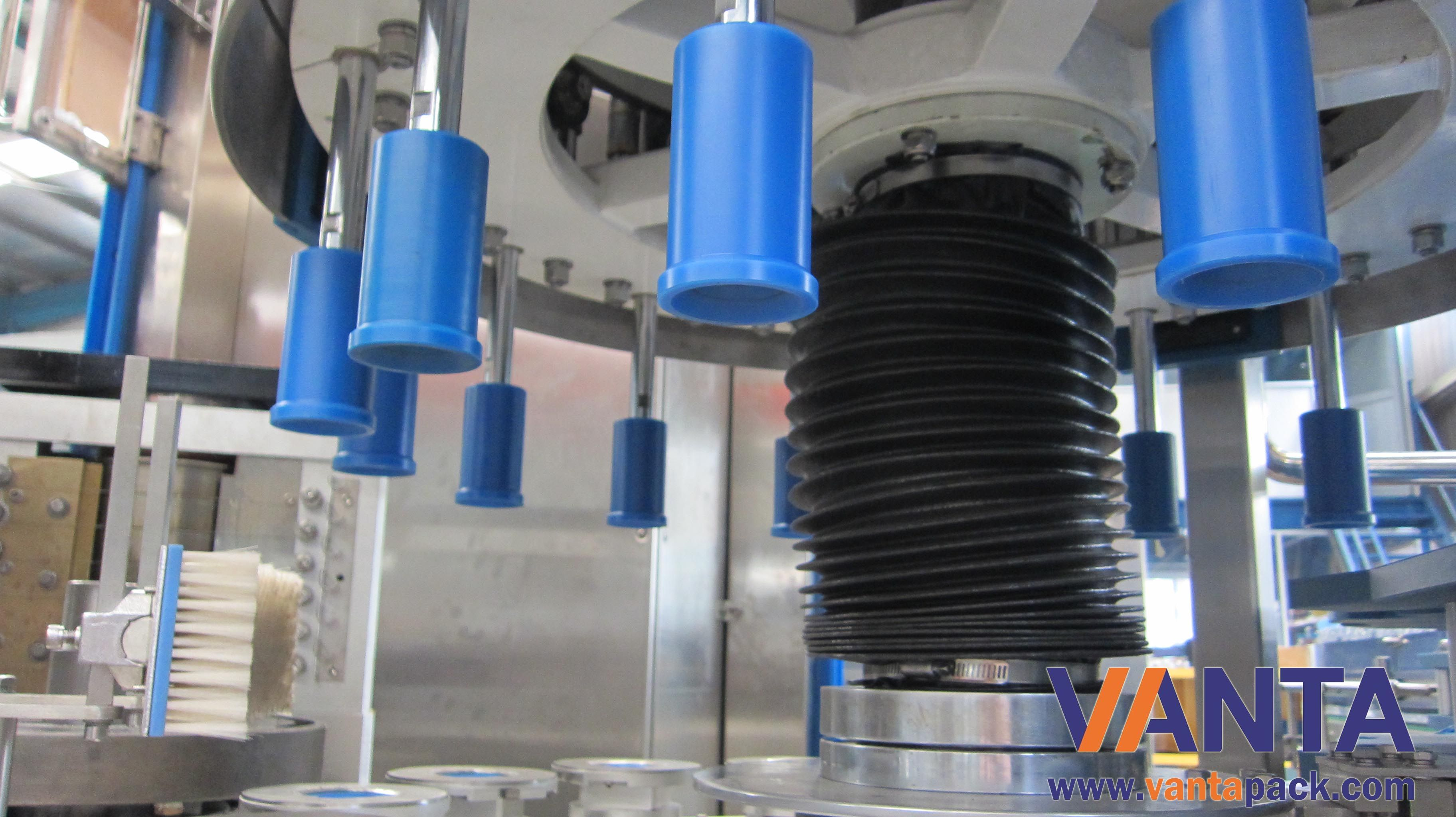 OPP Hot Melt Glue Labeling Machine Rotary ELAU Control