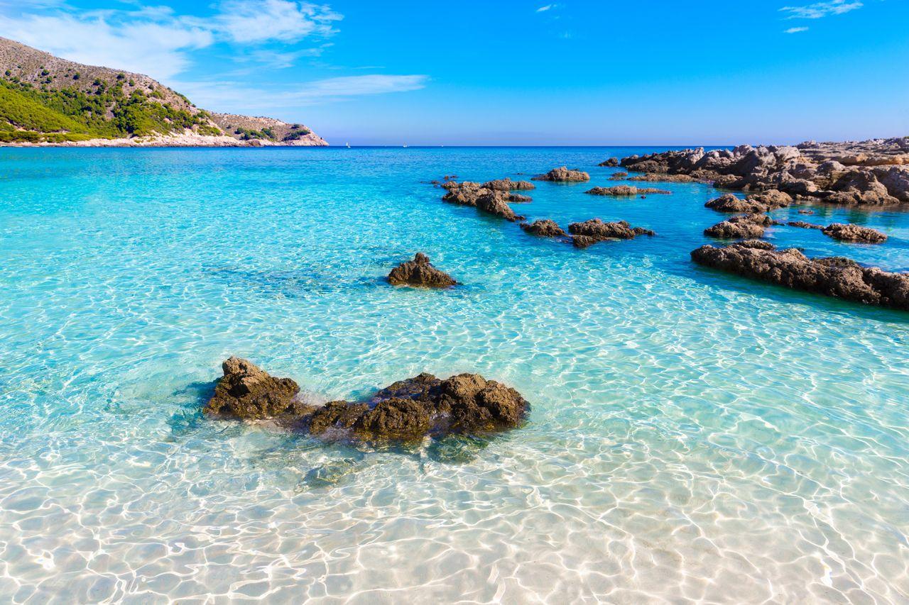 Absolute paradise beach in cala agulla mallorca amazing for Cala egos piscina natural