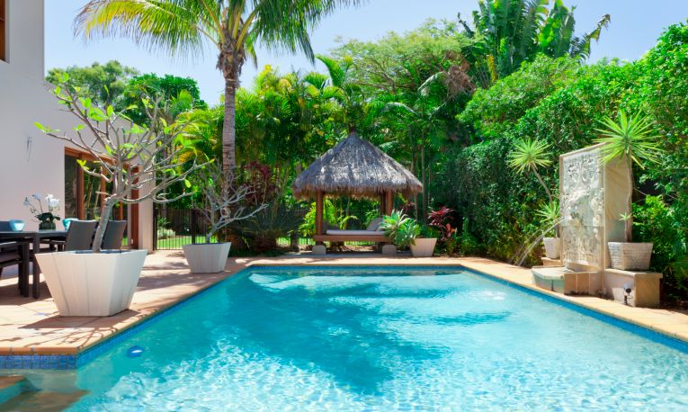101 swimming pool designs and types photos favorite for Pool design 101