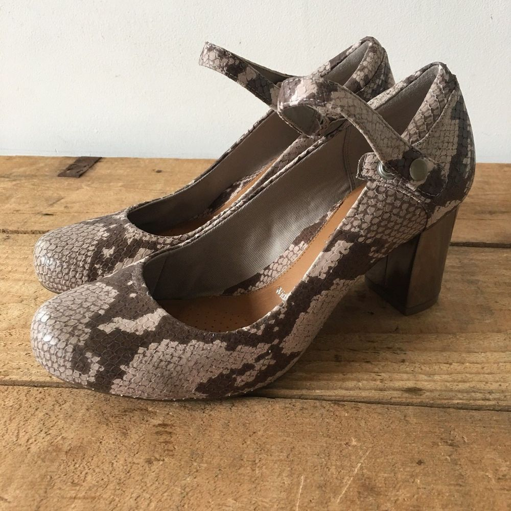 815a455b266 UK SIZE 4 WOMENS CLARKS DIVA DOLLY NATURAL SNAKESKIN MARY JANE ...