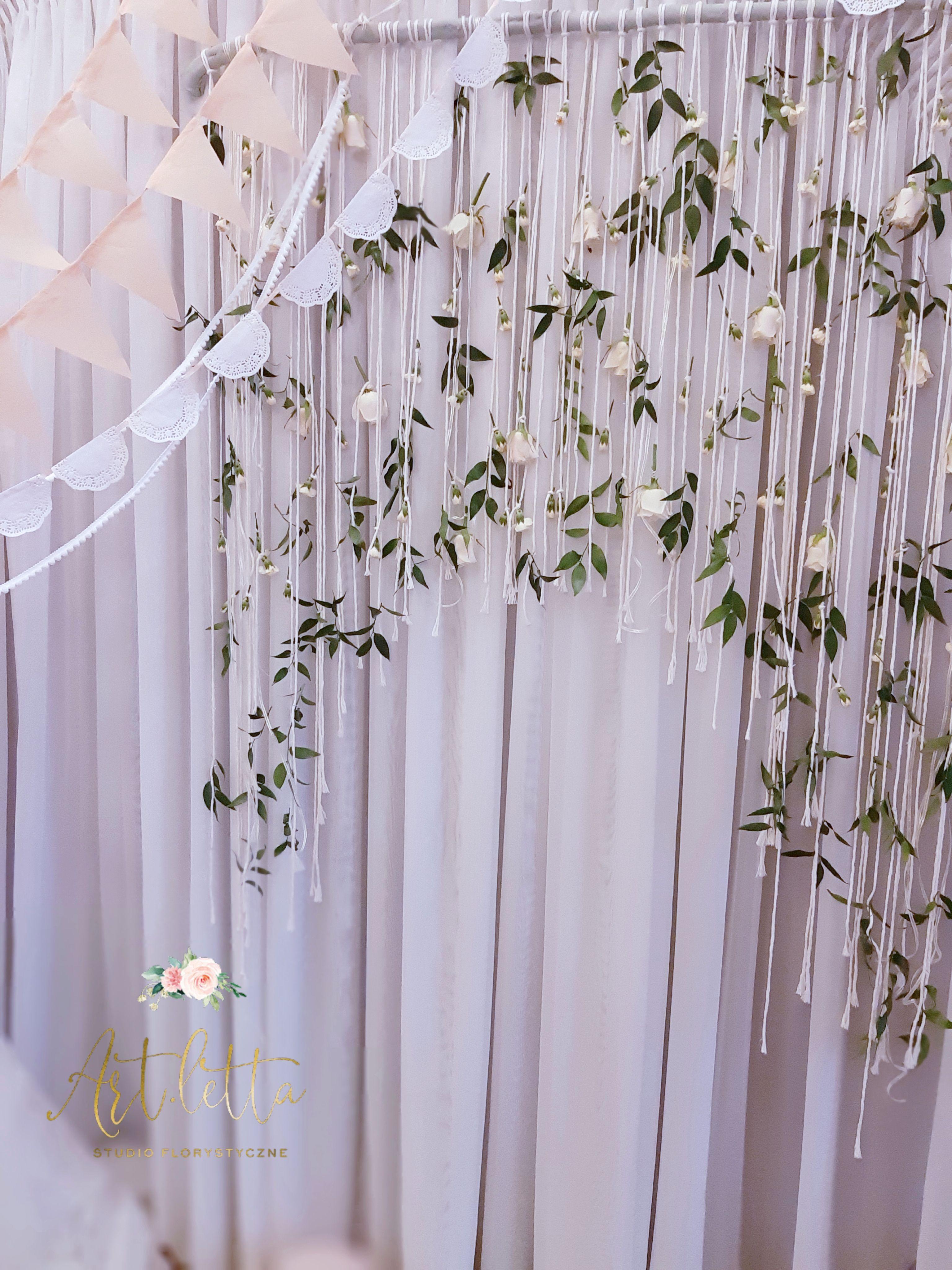 Girlandy Z Kwiatow Tlo Do Sesji Lub Scianka Za Mloda Para Kwiatowa Makrama Wedding Wedding Events Coachella Birthday