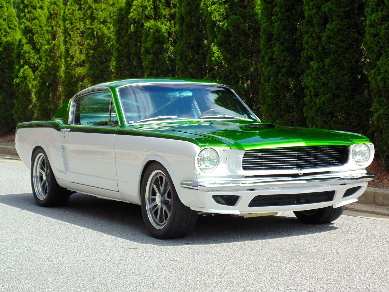 Two tone white mustang with green top