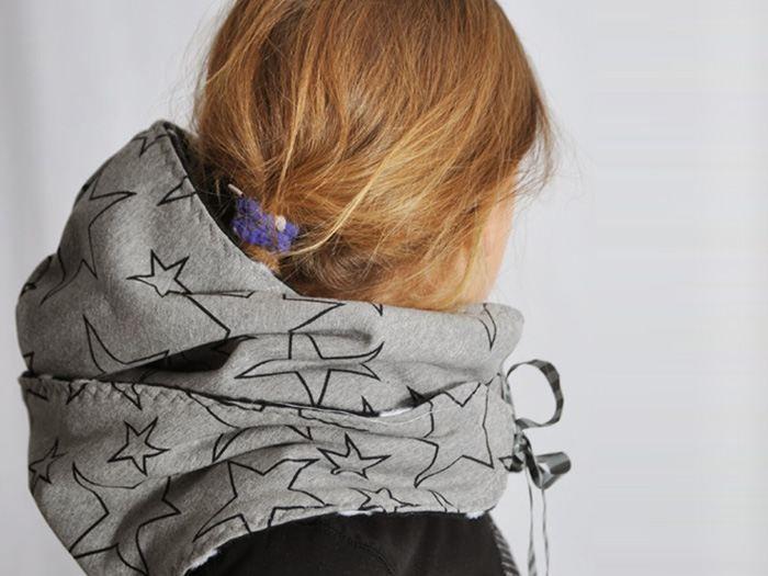 3a27adca3903 Pour cet hiver, vous n attraperez pas froid grâce à cette écharpe à capuche  ! On vous montre toutes les étapes de couture dans ce tutoriel !