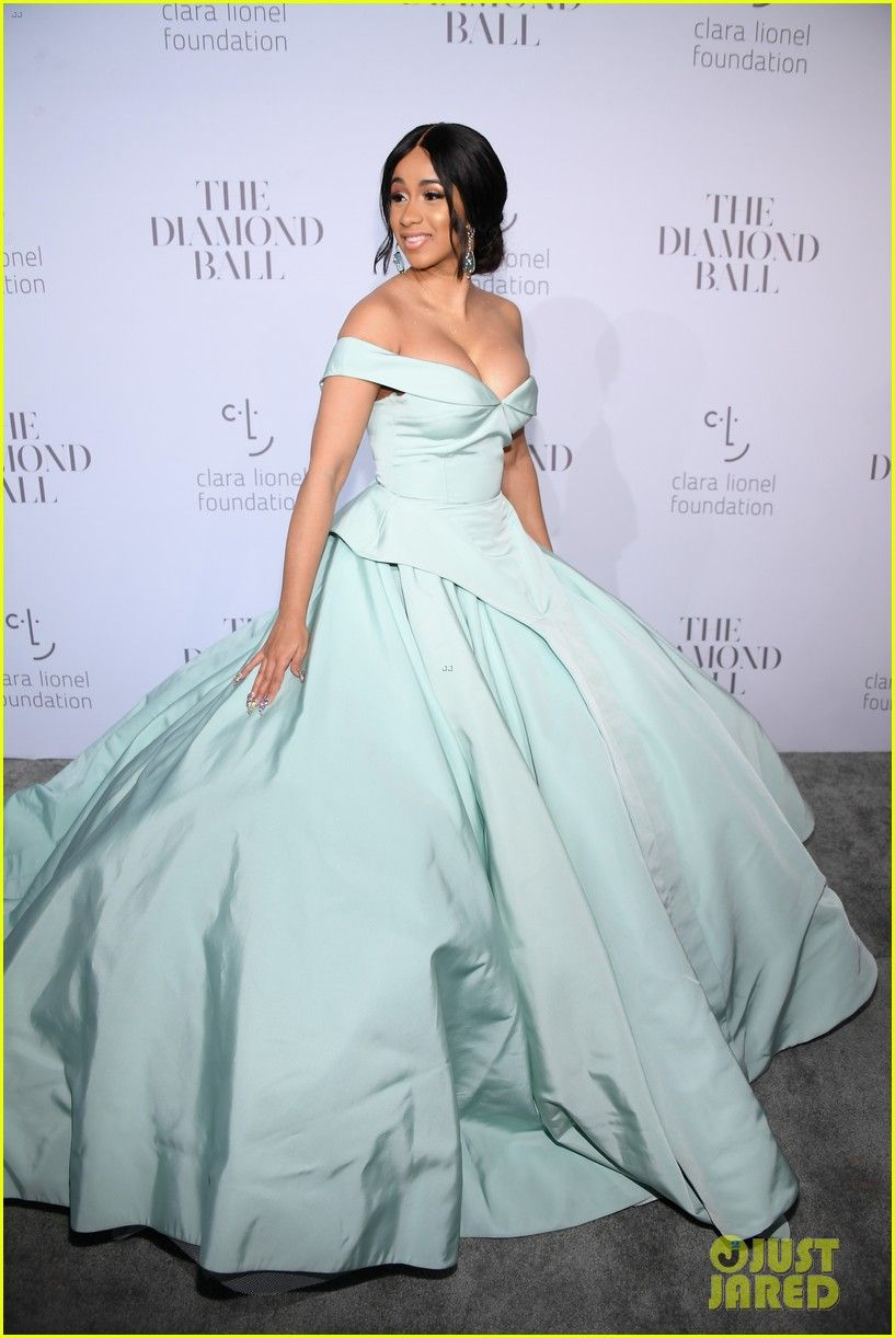 Rihanna Royal Wedding Dress – Fashion dresses