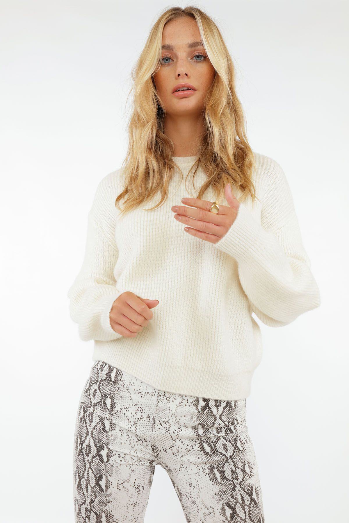 Shop Come Over Pullover Knit Chiquelle Fall Newcollection Fashion