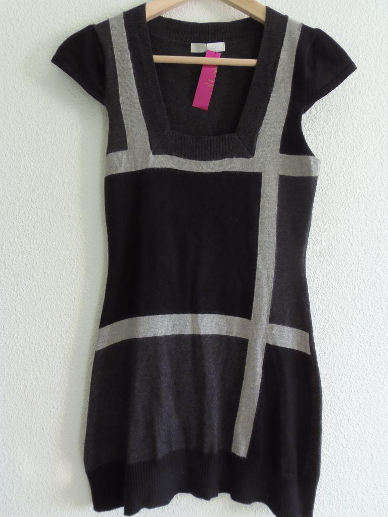 71f6a647d80 Vestido bi color gráfico negro con gris 10€ Color   negro con gris Estado