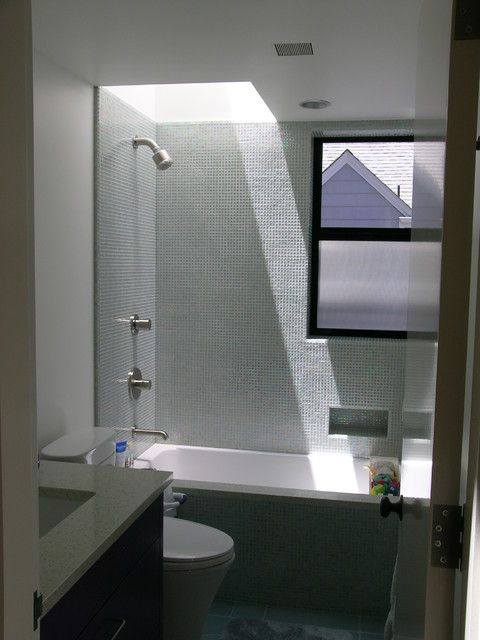 Small Bathroom With Skylight Over The Tub This Would Work Perfectly In Our While Adding A Ton Of Natural Light