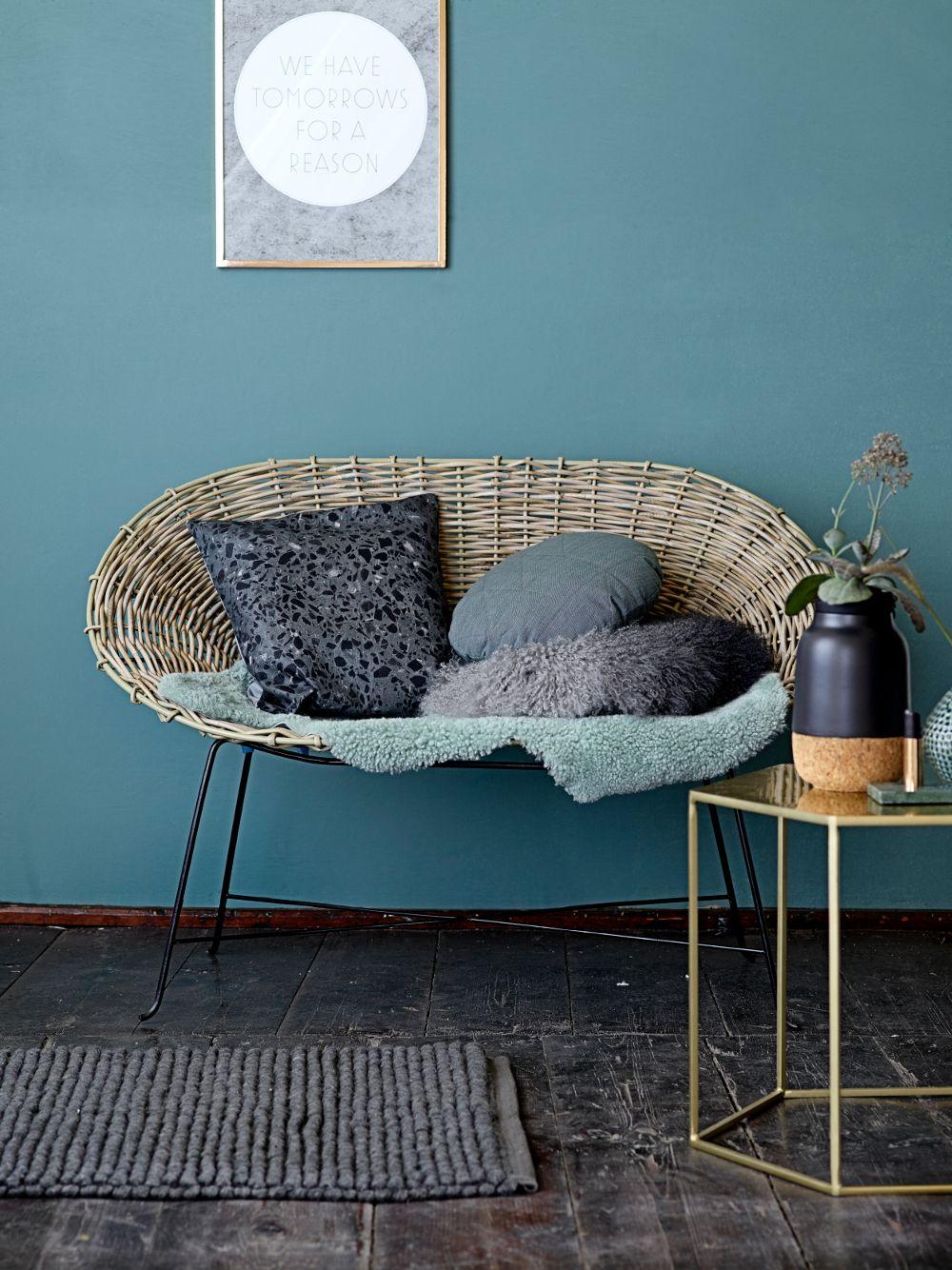 Zo'n kleur blauw als deze op de muur combineert prachtig met goud, kurk of koper #bloomingville #blue