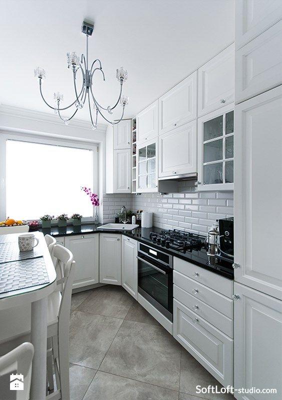 Biała Kuchnia Z Czarnym Kamiennym Blatem Zdjęcie Od Soft
