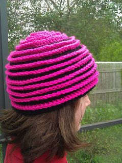 Beehive Beanie - free crochet pattern by Barbara Summers. Adaptable for various yarn and hook sizes.  A spiral beanie with contrast surface-crochet.
