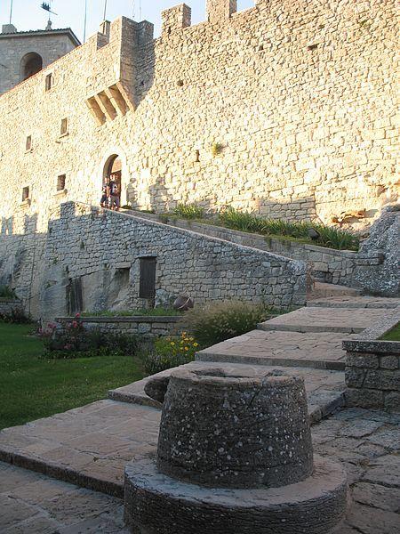 Pozzo nella Rocca di San Marino