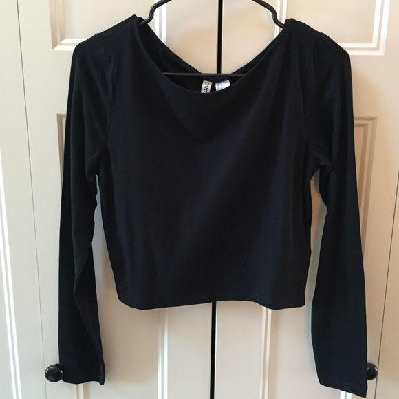 H&M Long Sleeve Crop Top H&M Long Sleeve Crop Top. Size M. Black. NWT super cute! H&M Tops Crop Tops