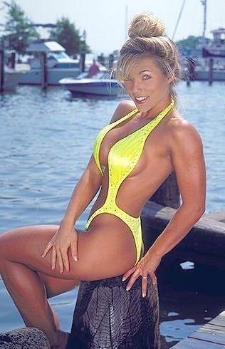 bikini Dena contest doster