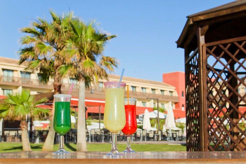 ¿Quieres divertirte? Ven a nuestro hotel vacacional en Cádiz. www.ilunioncalasdeconil.com #hotel #todoincluido #Conil