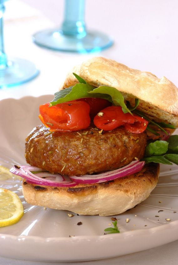 Lamb Burgers with Feta & Rosemary: Home-made #burgers are so much tastier than store bought ones and these lamb burgers with rosemary, sundried tomatoes and feta are packed full of flavour!