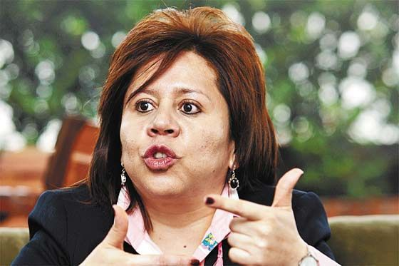 Pendiente orden de captura contra María del Pilar Hurtado, ex directora del DAS. Se aprobó prorroga por 12 meses http://ow.ly/ftsjs