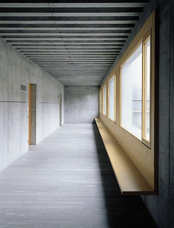 Bearth deplazes architekten interieur pinterest for Halle innenarchitektur