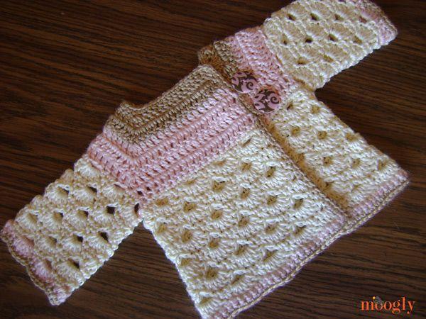 Sweater: Free Crochet Pattern Sizes 0-3 mths, and 3-6 mths ✭Teresa Restegui http://www.pinterest.com/teretegui/ ✭