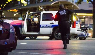 Reactions Pour In After 12 Dallas Cops Shot By Snipers Dallas Police Police Police Officer