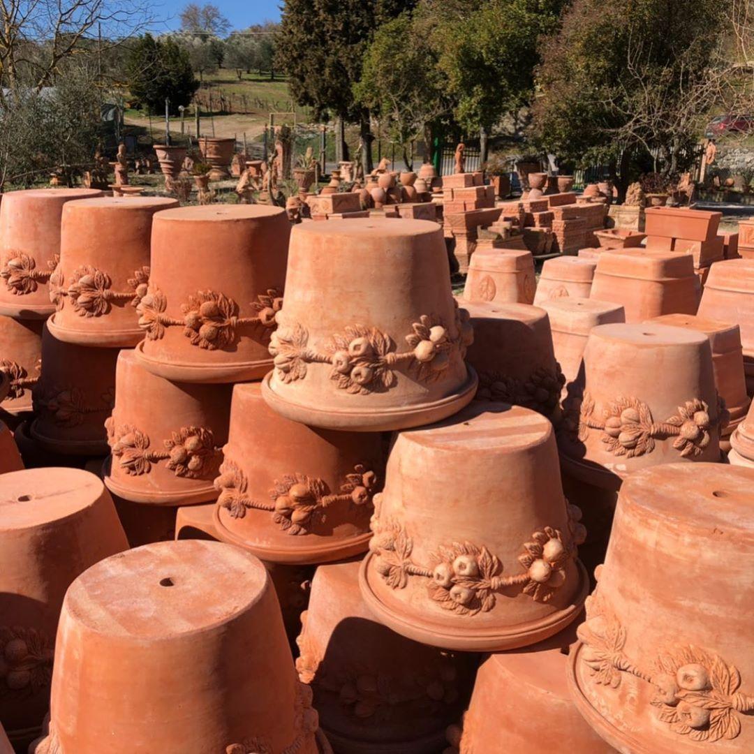 Toskana Frische Italienische Terracotta Produziert Fur Tucano Terracotta Kann Man Ubrigens Als Gebackene Erde Ubersetz Gartenbau Garten Toskana