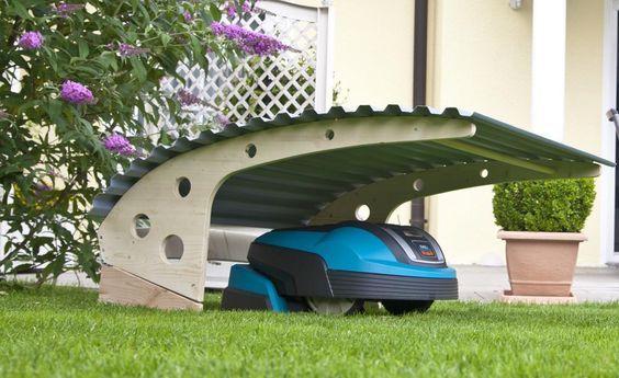 eine garage f r den m hroboter garten roboter. Black Bedroom Furniture Sets. Home Design Ideas
