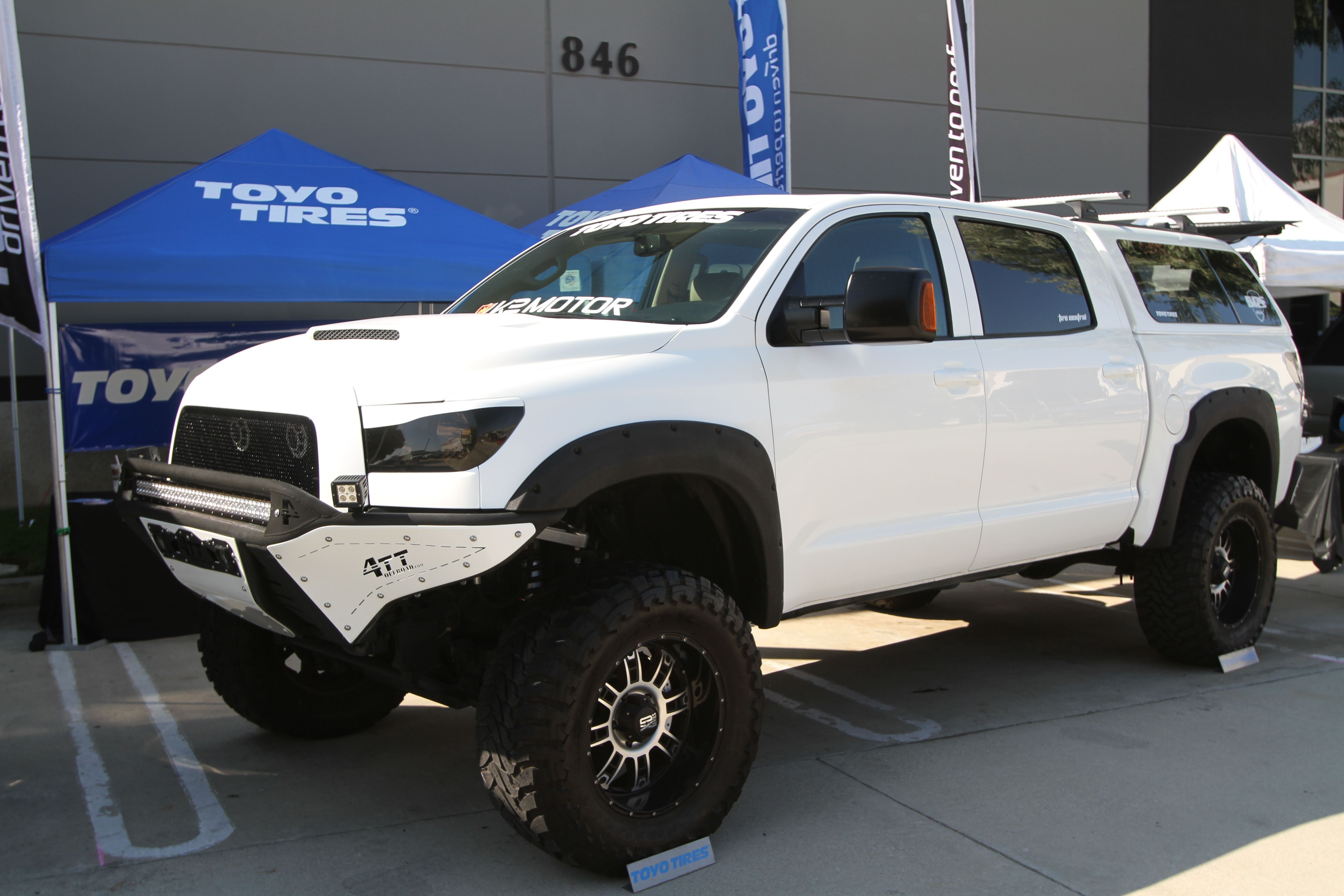 Lifted chevy show trucks 2103 texas heatwave truck show - Custom Toyota Pickup Bumpers Google Search