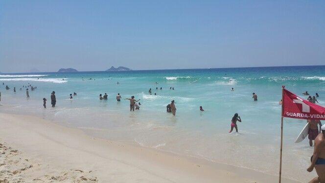 Barra Da Tijuca - Verão - Rio de Janeiro.  Água transparente, quente e sem muvuca!