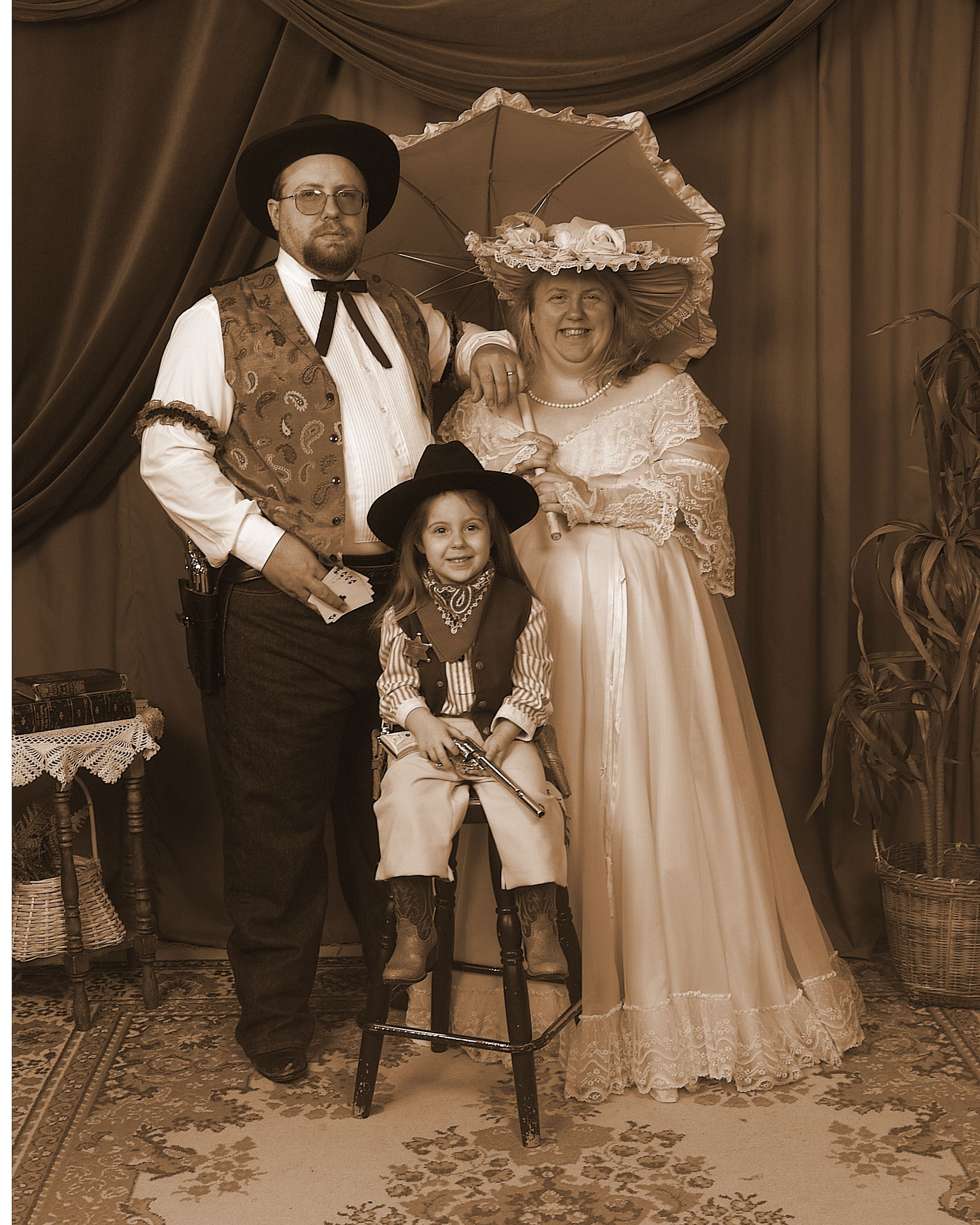 The Perfect Family Photo Old Fashioned Photos Western Photo Western Family Photos