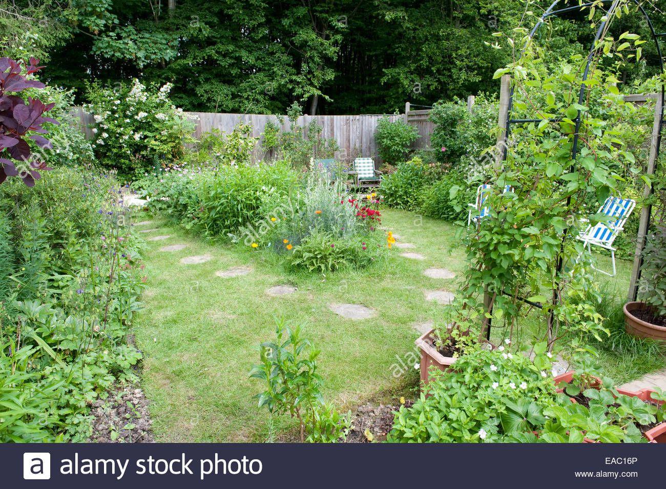 Wildlife Garden Kent UK Stock Photo | Ponds and Bogs for Wildlife ...