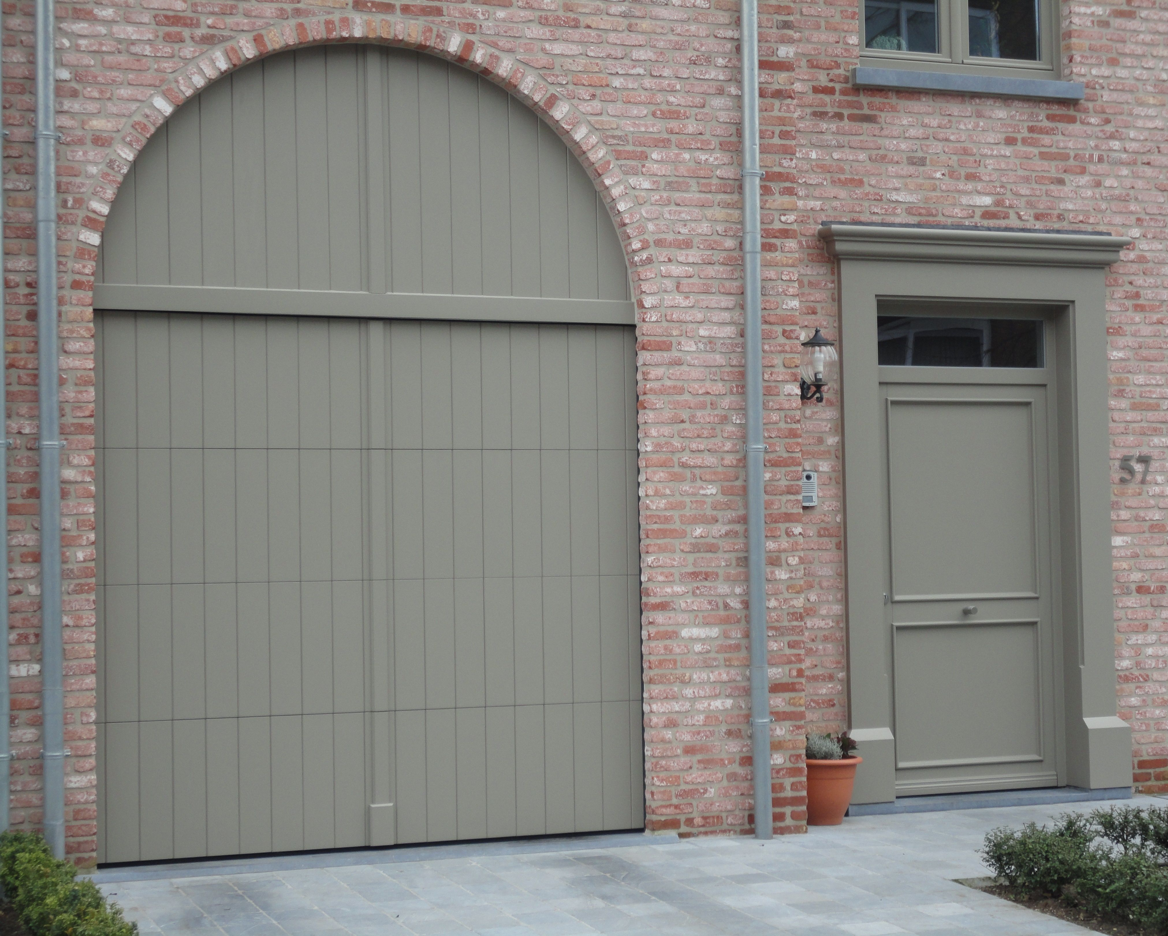 Voordeur en poort in landelijke stijl home pinterest for Fenetre ral 9001