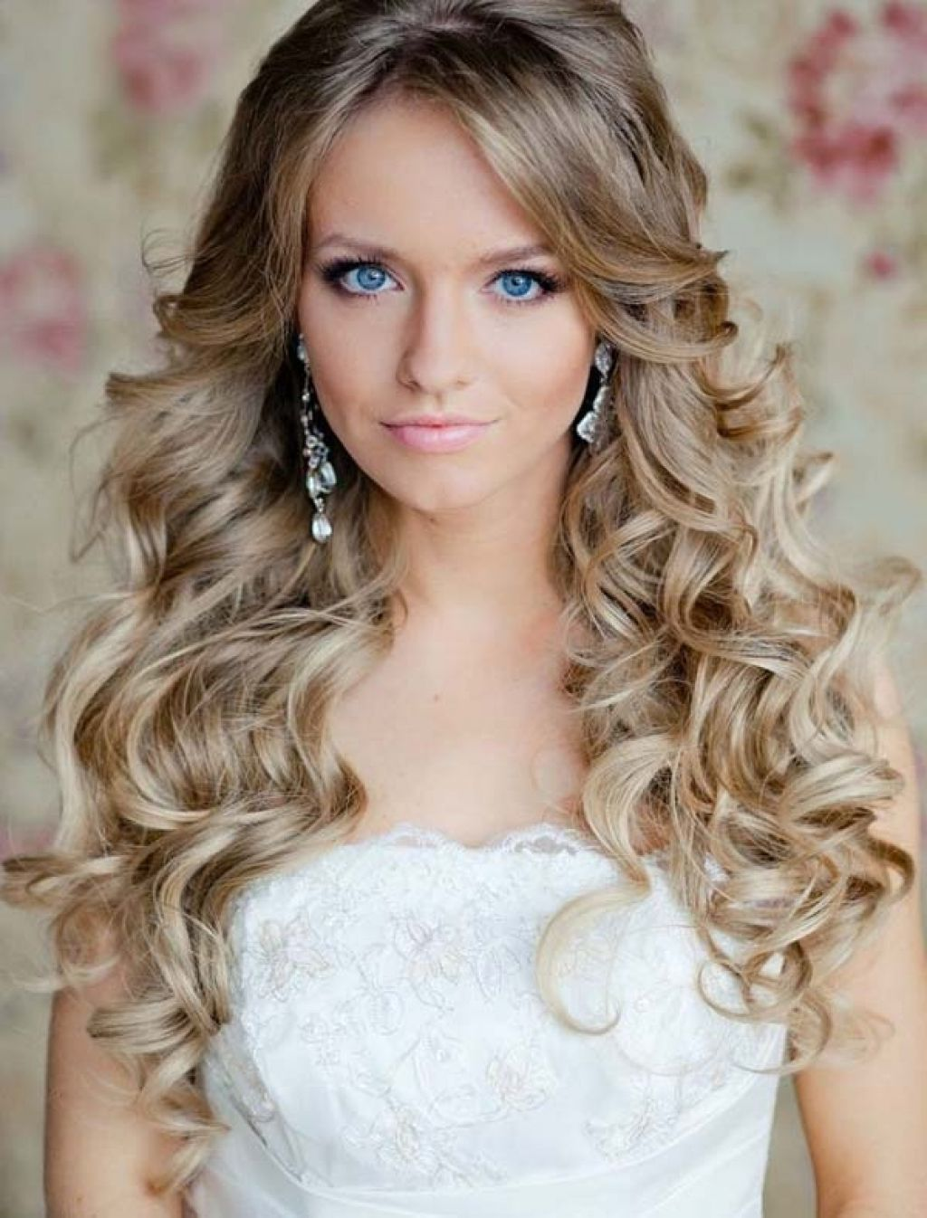 Best Hairstyles For Long Hair For Wedding Party 5 Istalo Long Hairstyles For Wedding Party Gaya Rambut Pengantin Model Rambut Pengantin Rambut Keriting