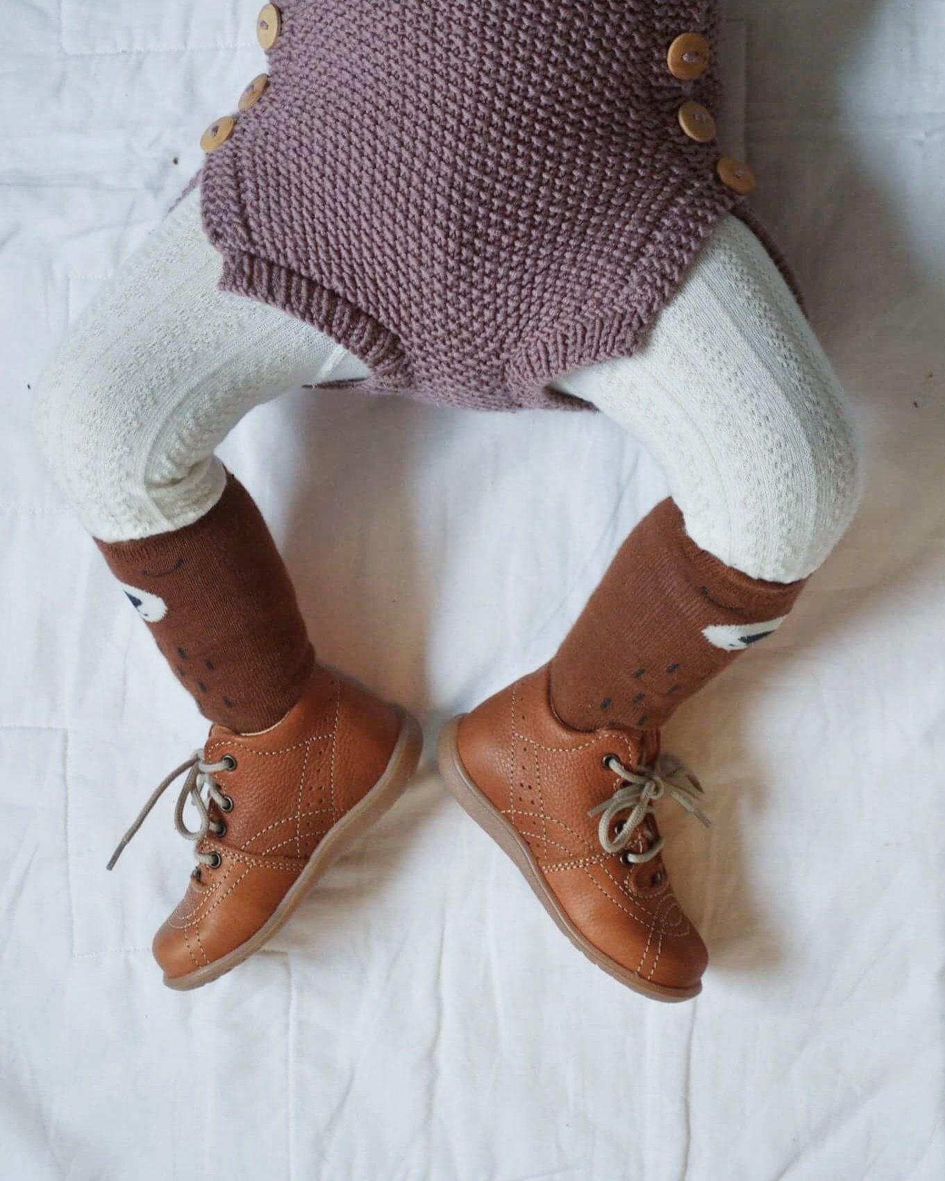 aa193587 Baby Vilde - Kavat sweeden light brown shoes - Skinnsko - Klompelompe  Strikkeklær til barn -