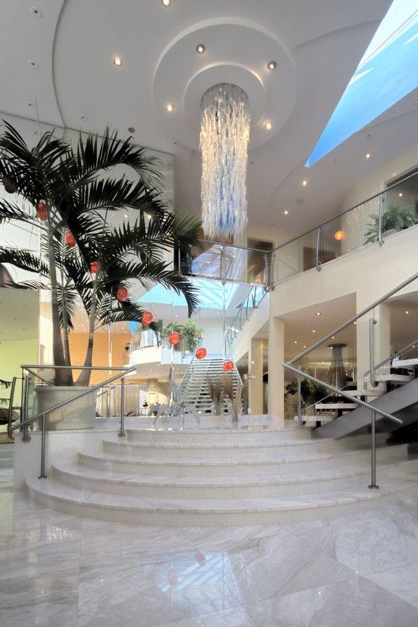 Luxury Home In Toronto, Canada...amazing Entry