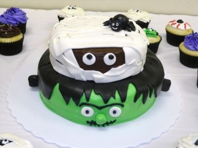 Halloween/Birthday cake By anghollin on CakeCentral cupcakes - halloween birthday cake ideas